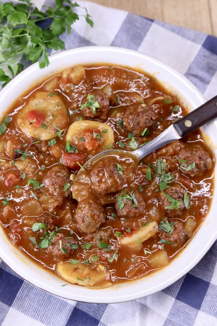 Soup with pasta and meatballs