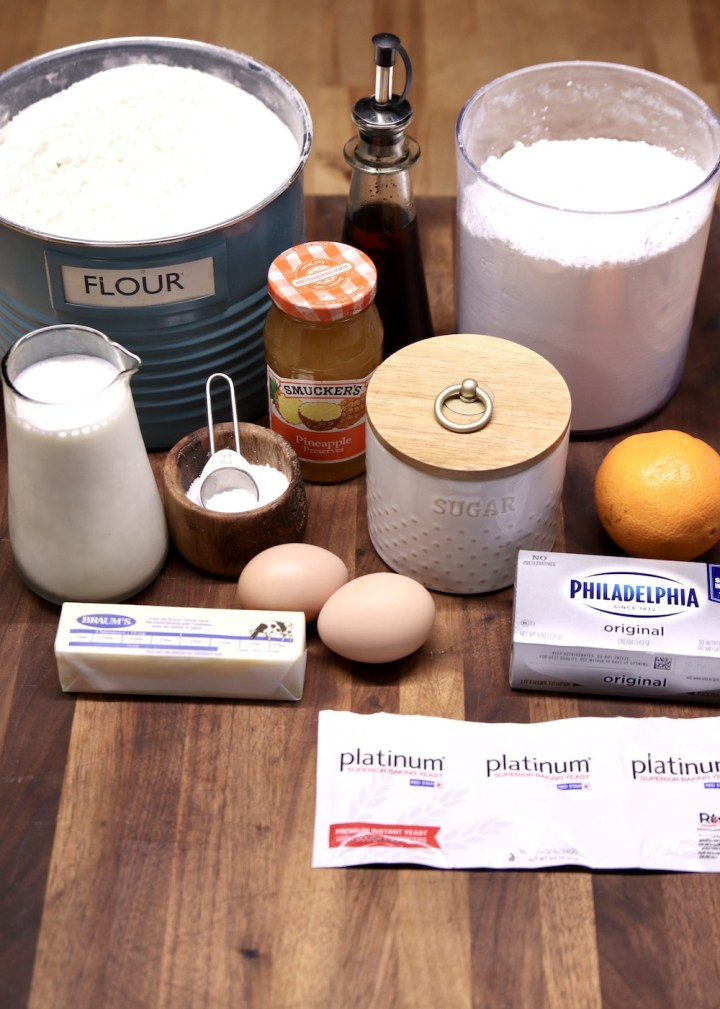 Ingredients for Pineapple sweet rolls