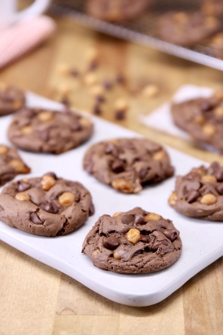 chocolate caramel chocolate cookies