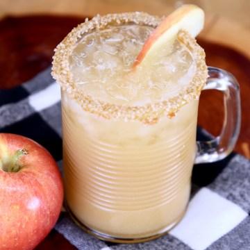 caramel apple mule cocktail with apple slice garnish