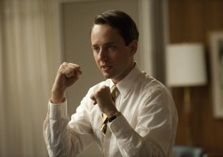 Mad-Men-S5-Ep-5-Pete-Campbell-Ready-For-The-Fight