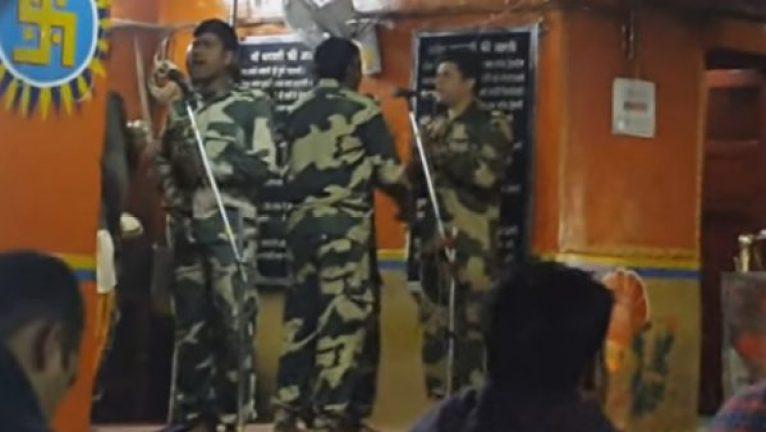 Bsf Army Singing Bhajan in Tanot Mata Temple