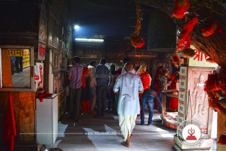inside-salasar-balaji-temple-rajasthan