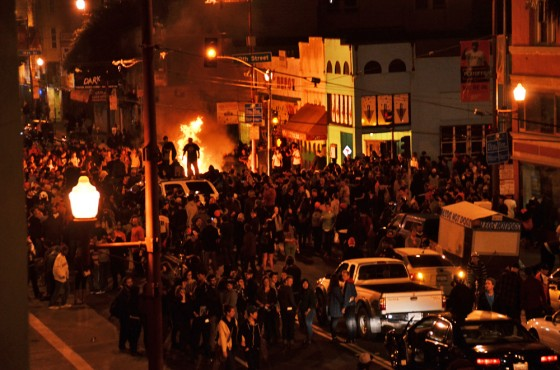 san francisco, giants, sf giants, world series, baseball, 2012, fire, sports, mission district, riot, wtf, riots, 19 street, mission street, beauty bar