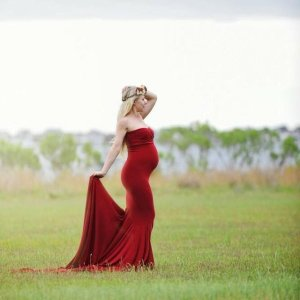 strapless maternity gown, maternity gown for photo shoot, Fitted maternity gown, sweetheart neckline, jersey knit