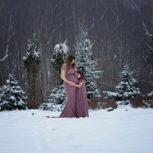 Maternity gown photography, maternity dress photoshoot, mother daughter matching set, snow shoot