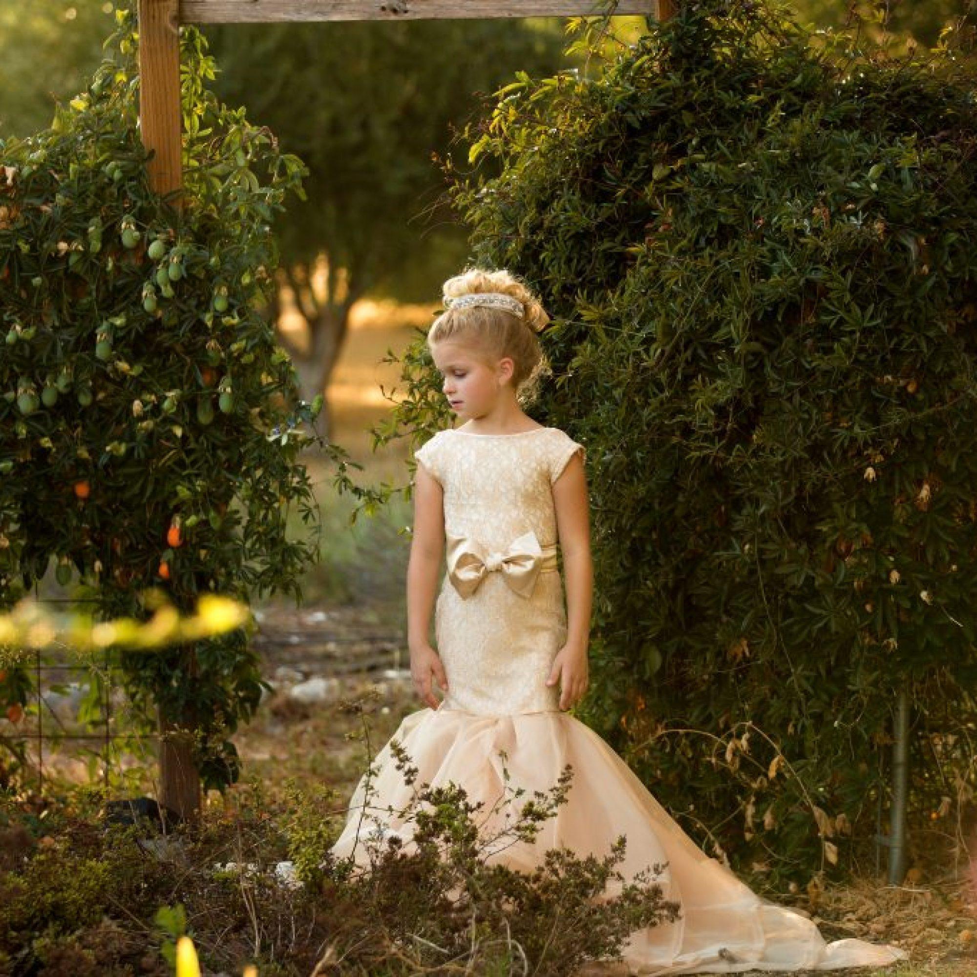 bow sash, flower girl, junior bridesmaid, birthday, milestone, mommy and me portrait