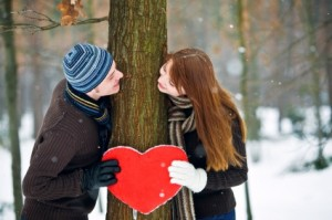 couple-with-heart-smiling_by_laskvv-via-istockphoto