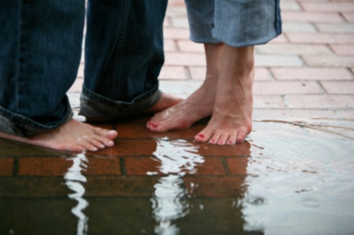 Rainy-Romance-by-magbug-via-istockphoto