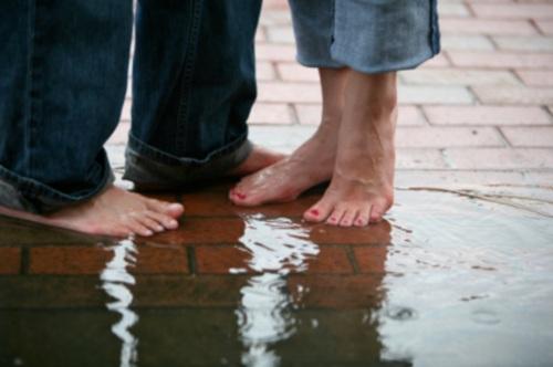 Rainy-Romance-by-magbug-via-istockphoto