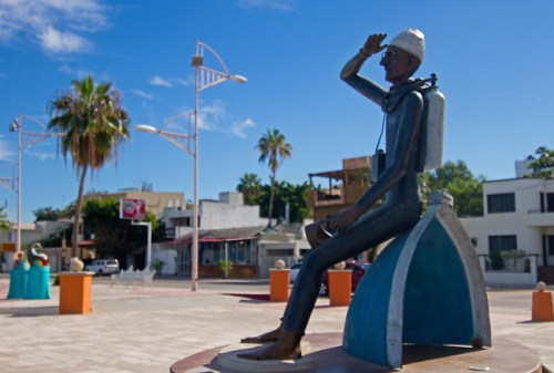 Jacques Cousteau Statue by Ron Jordan