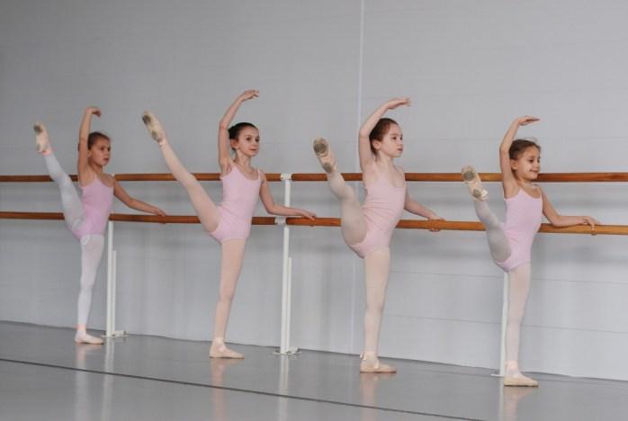 ballet-3301195_1920
