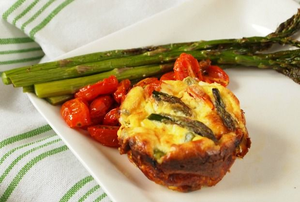 mini quiche with asparagus and tomatoes
