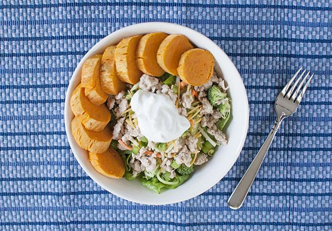 Hey There Healthy: Raw Veggie Salad with Turkey + Sweet Potato