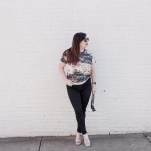 How to Dress Up a Comfy Tee with Metallic Heels via @missmollymoon