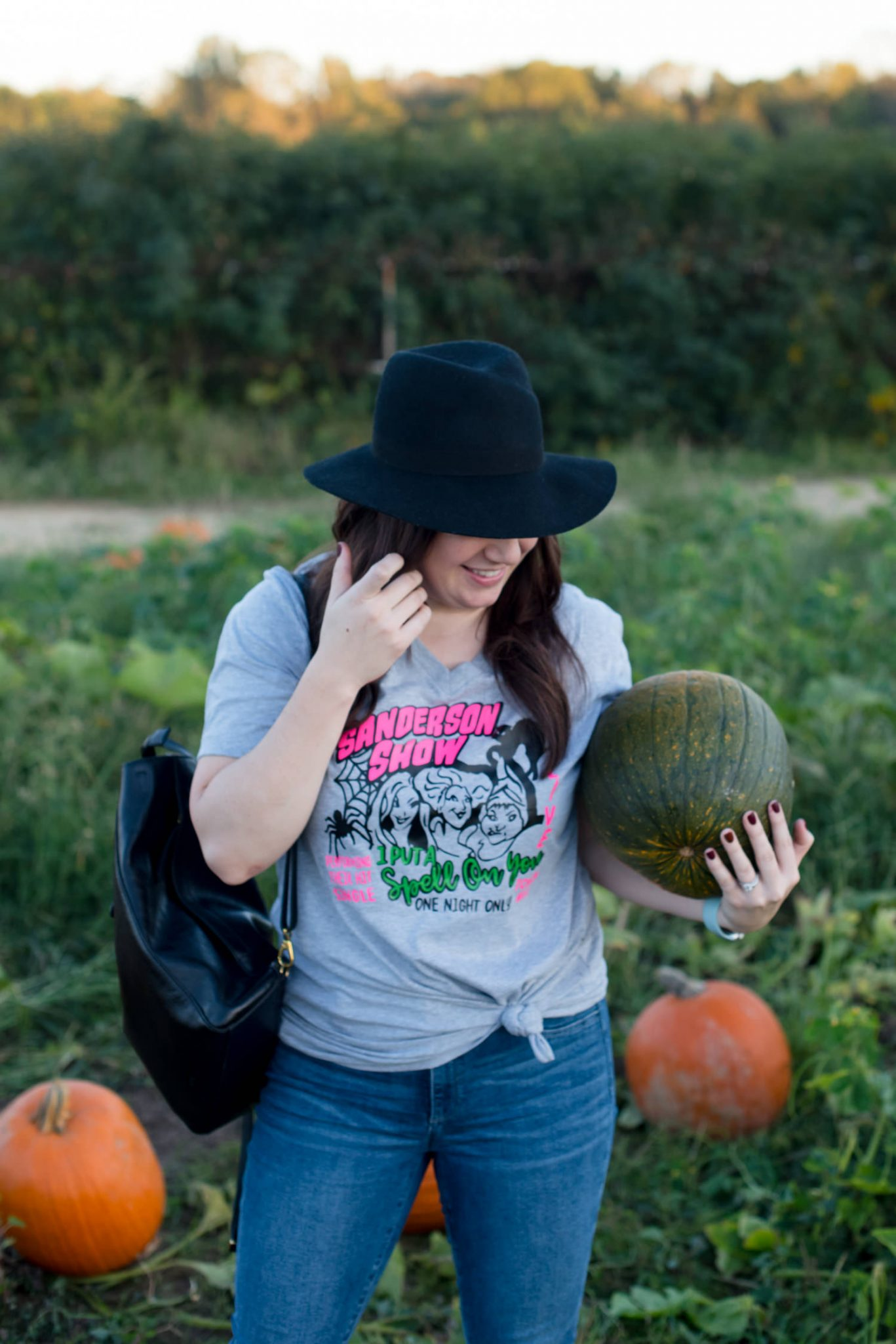 #halloween #hocuspocus   15 Hocus Pocus Shirts to Wear This Halloween featured by top Atlanta fashion blog Miss Molly Moon