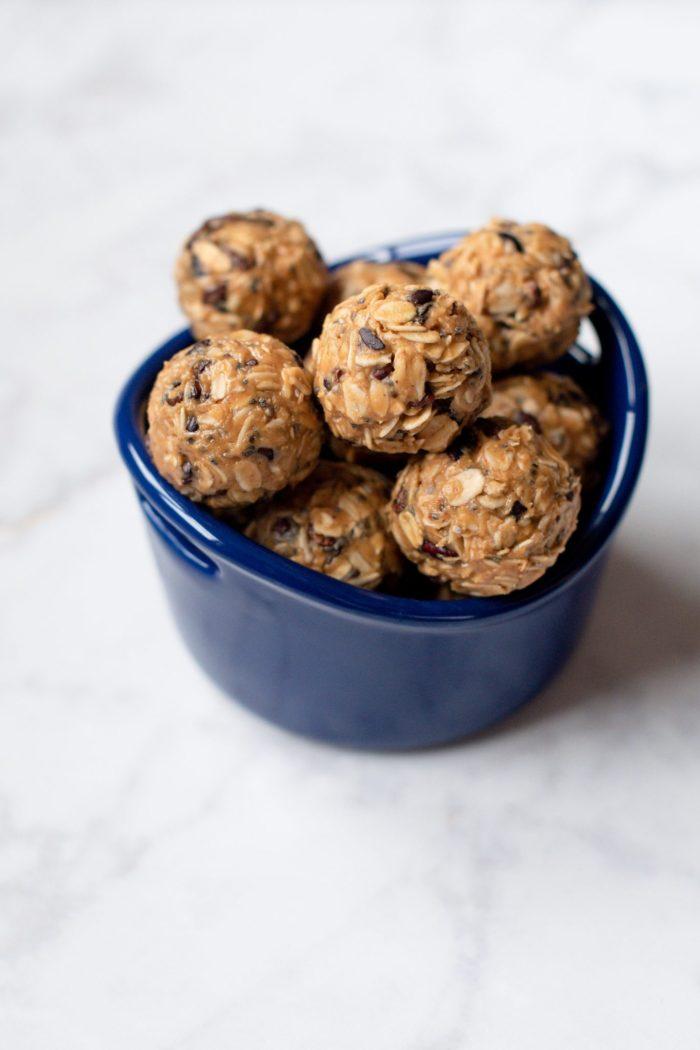 Peanut Butter & Chocolate Energy Bites Recipe