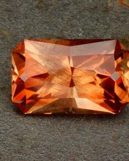 Oregon Sunstone, Schiller