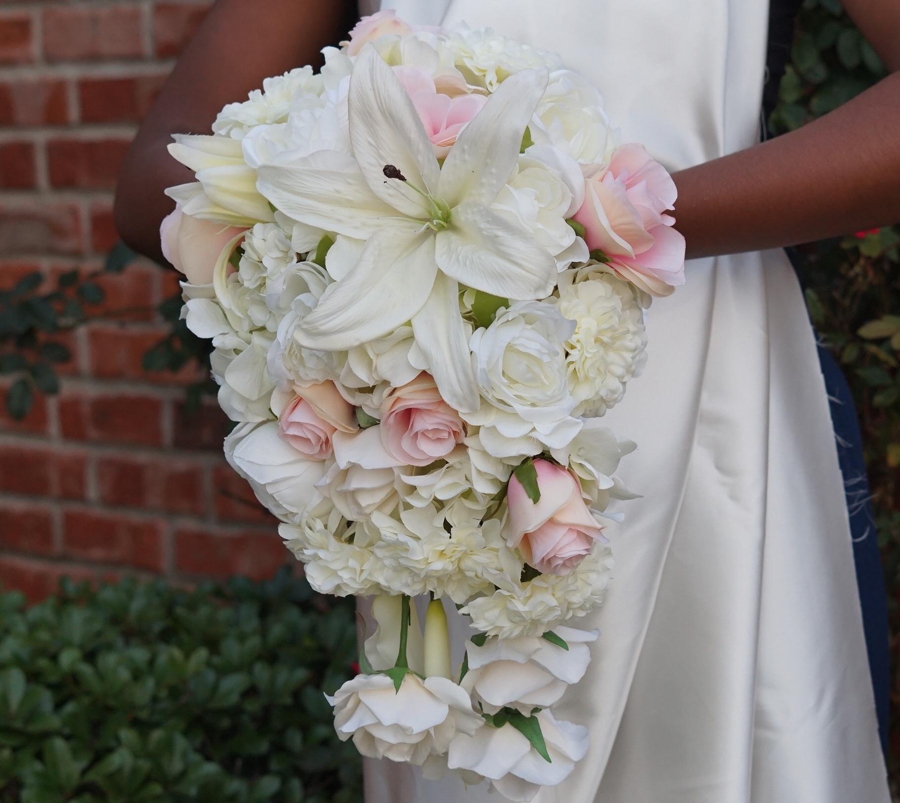 Simple To Make Beautiful Diy Cascading Wedding Bouquet