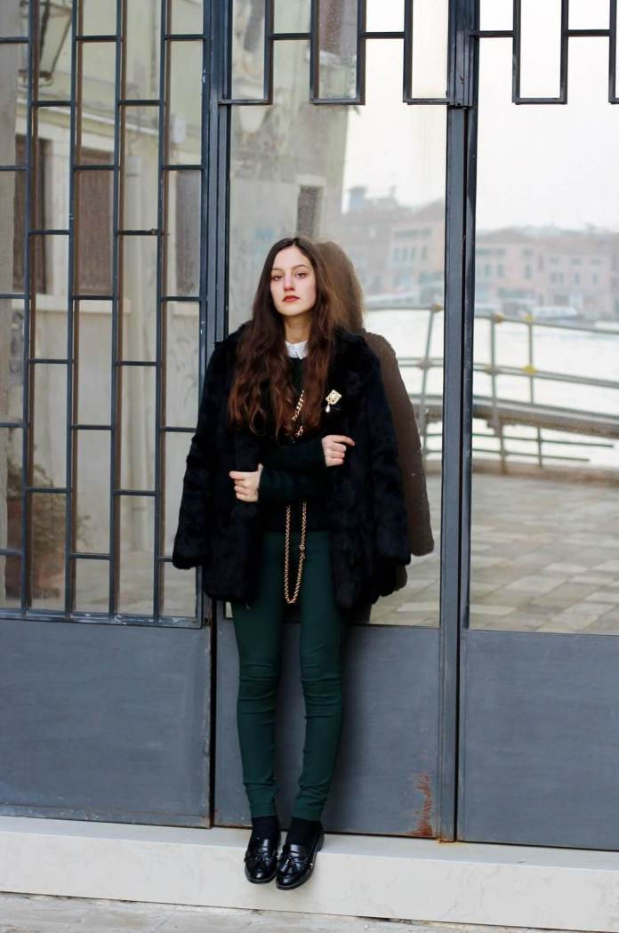 2. www.glamradar.com  - 6 Shades of Green: How to Wear Green Pants to Create Stylish Outfits