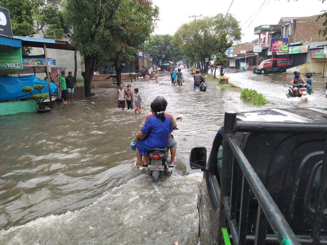 Hujan Sebentar Saja Medan Utara Banjir Harian Mistar
