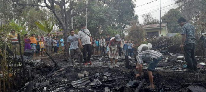 Dilalap Si Jago Merah, Rumah Junaidi Rata dengan Tanah di Jalan Sukadame Siantar