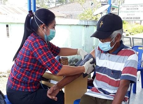 Penyuntikan Vaksin Dosis 2 Bagi Lansia Berlanjut di Nassau Toba