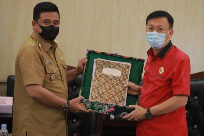 Paripurna Pemandangan Umum Fraksi DPRD Medan TentangRanperda P-APBD 2021, Ini Harapan Bobby