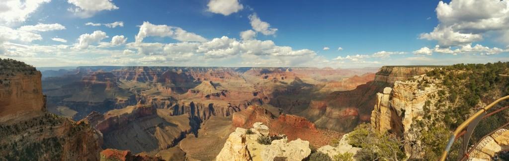 Allein für so ein Panorama, was auf dem Foto schon toll ist, aber real nochmal umso intensiver wirkt, hat sich die Reise 1000%ig gelohnt. Man fängt automatisch an zu träumen und entdeckt sich dabei, in die Ferne zu schweifen…