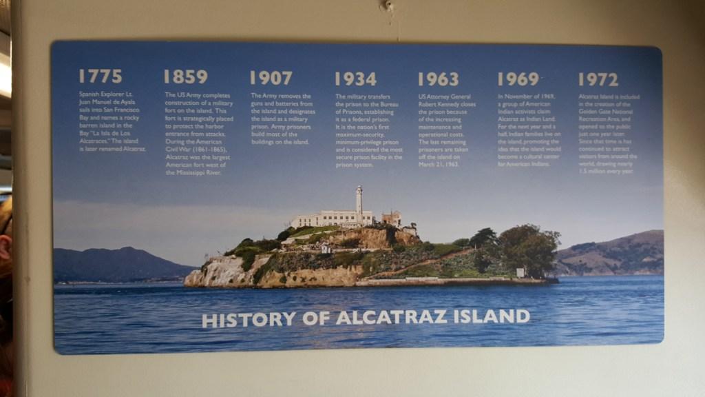 The History of Alcatraz Island bzw. die Geschichte von Alcatraz!! Ich liebe es, Geschichte zu spüren, zu begehen, zu riechen. Orte zu bereisen und zu besuchen, die Geschichten erzählen und Alcatraz ist ein dickes Buch, voller spannender Stories. Wenn Wände reden könnten. :)