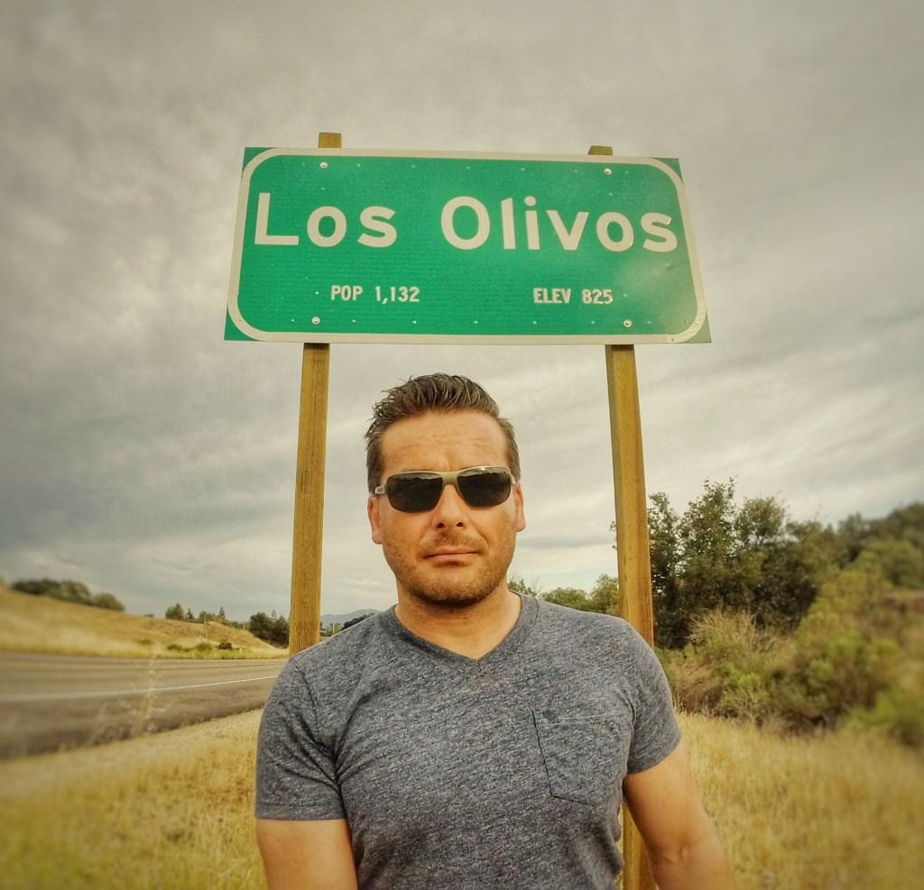 Oooopps…..was war das?? Lass uns nochmal drehen….*hahahahaha…..Endlich habe ich mein eigenes kleines Kaff entdeckt…. LOS OLIVOS…..Ob ich hier Bürgermeister werden kann?? Bringe doch die besten Voraussetzungen mit. Den Namen!!! :)