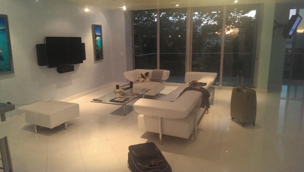 miami-beach-apartment-1