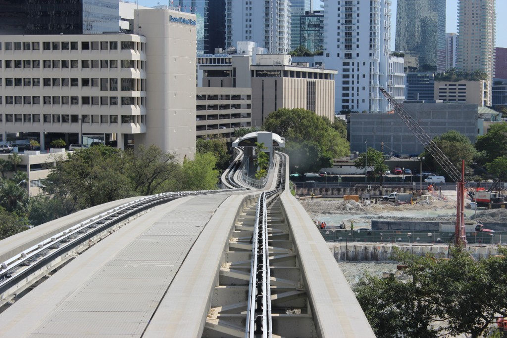 miami-downtown-peoplemover-2-florida-2013