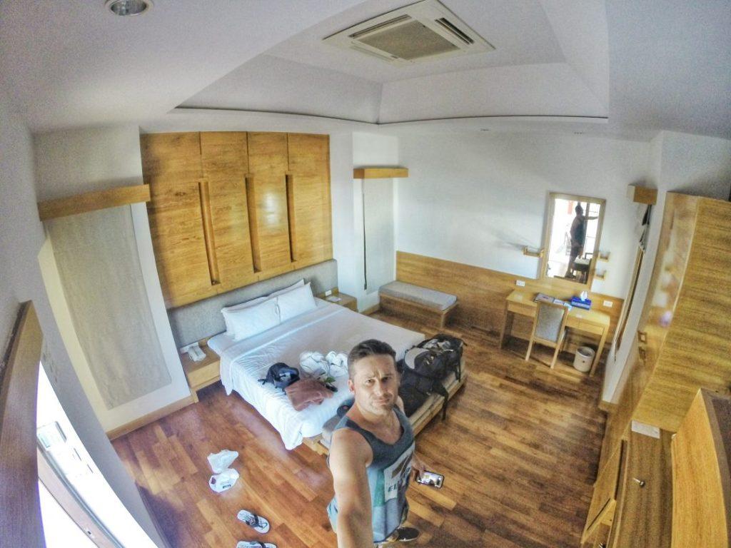 Herzlich Willkommen im Thai House Beach Resort am Lamai Beach in meiner Villa B. Mein Reich für die nächsten Tage.