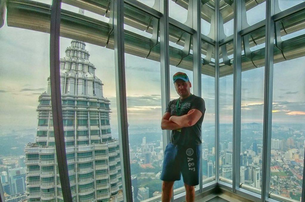 In knapp 367m Höhe befindet sich die Aussichtsplattform. Der Besuch dieser Aussichtsplattform kostet ca. 20 Euro.