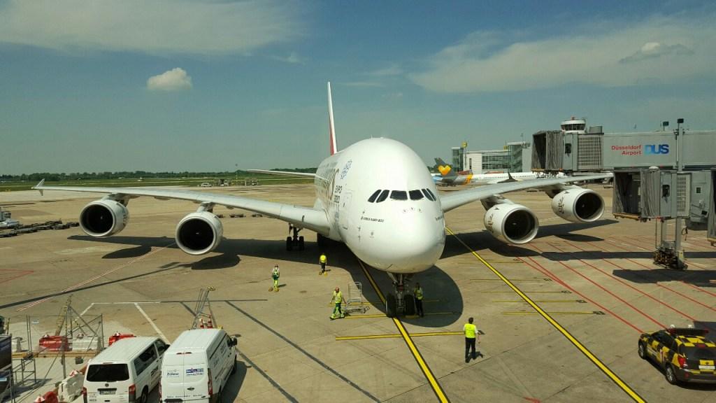 Am Freitag, den 13.05.16, ging es um 15:30 Uhr mit dem fetten A380 von Emirates in Düsseldorf los…