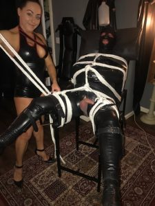 Mistress Candy Leeds perfecting Her rope skills.