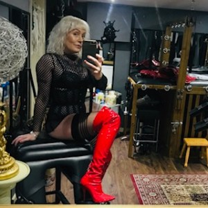 Mistress in Leeds. Professional Dominatrix Mistress Firefly.