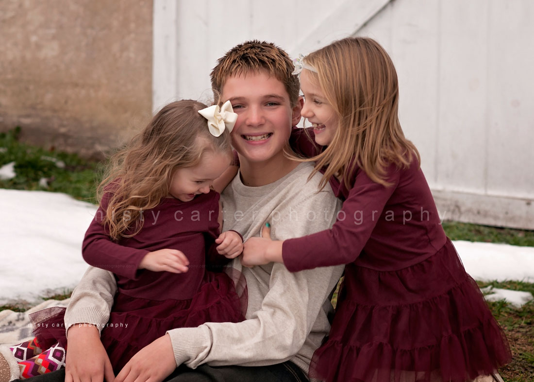 Family Christmas Pictures At The Barn Modern Senior And