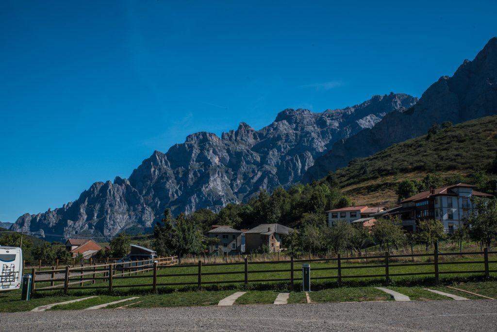 östliche Bergkulisse Posada de Valedón - Picos de Europa