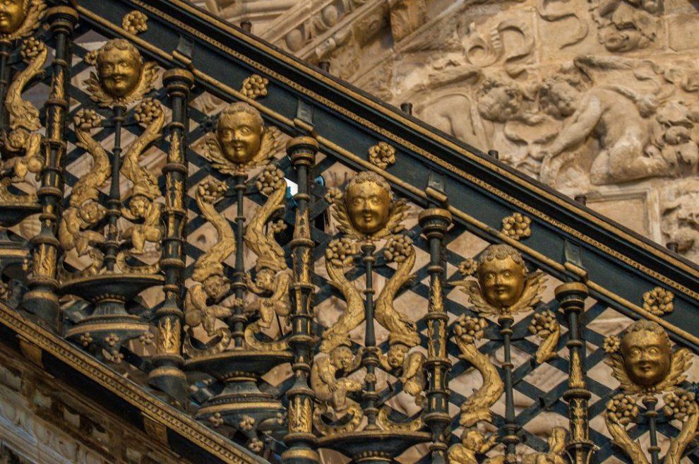 Detail La Escalera Dorada - Catedral de Santa Maria Burgos
