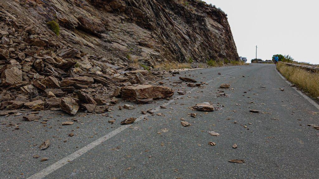 Costa Calida - Steinschlag mach das Fahren schwer