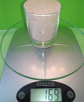 Der Sand wiegt 169 Gramm.