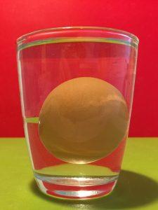 Schwebendes Ei