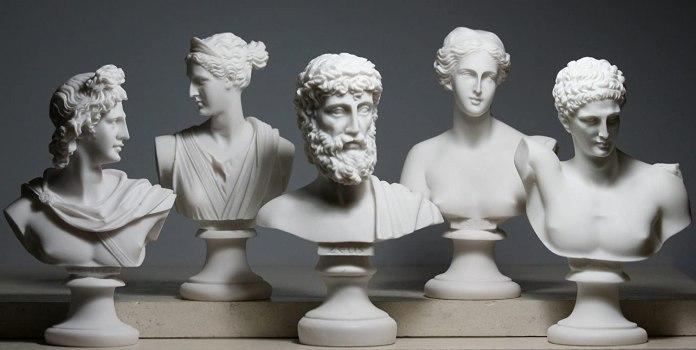 Olimpos Tanrıları Yunan Mitolojisinde tüm insanlar ve tanrılar üzerinde mutlak hakimiyete sahip olarak kabul edilir.