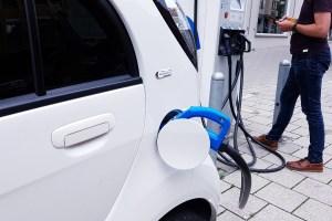Elektroautos Ladesäule Foto