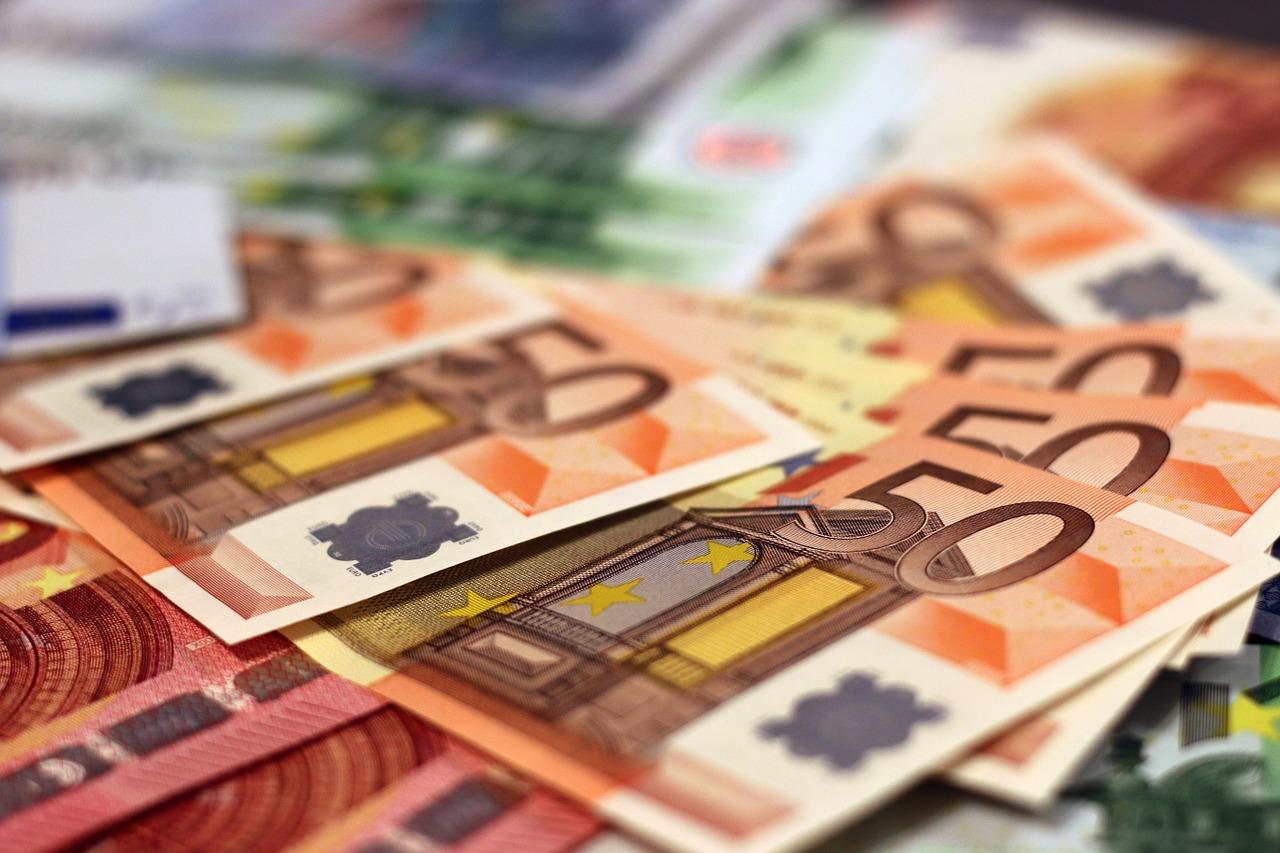 Corona-Hilfen Hilfsprogramme Euro Bild
