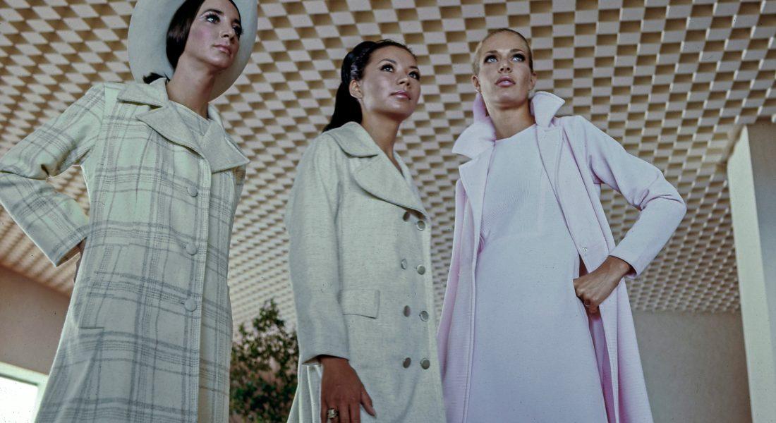 La moda en los 60. Fotografía de ©Bob Schalkwijk. Fashion shoot en el  Hotel Camino Real, Anzures (1970)