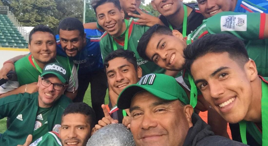 """Juan Francisco Gabi Correa """"El Latas"""". Selección Street Soccer México, organización que busca la reintegración social por medio del deporte"""