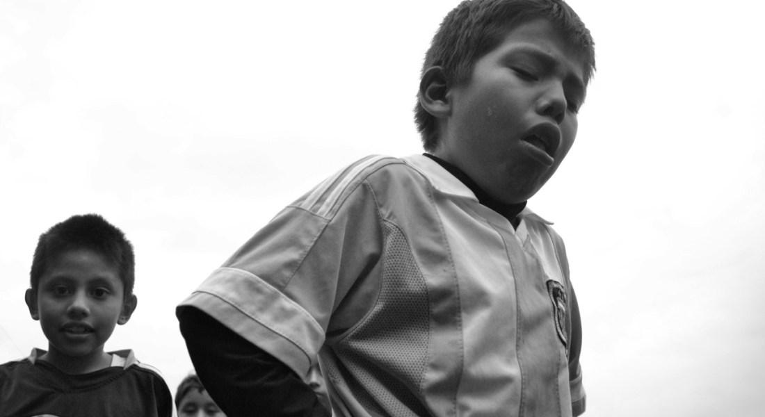 Emparejar la cancha: El derecho de los espacios de juego y esparcimiento como parte de una vida digna. Fotografía de Abdelaziz Zúñiga